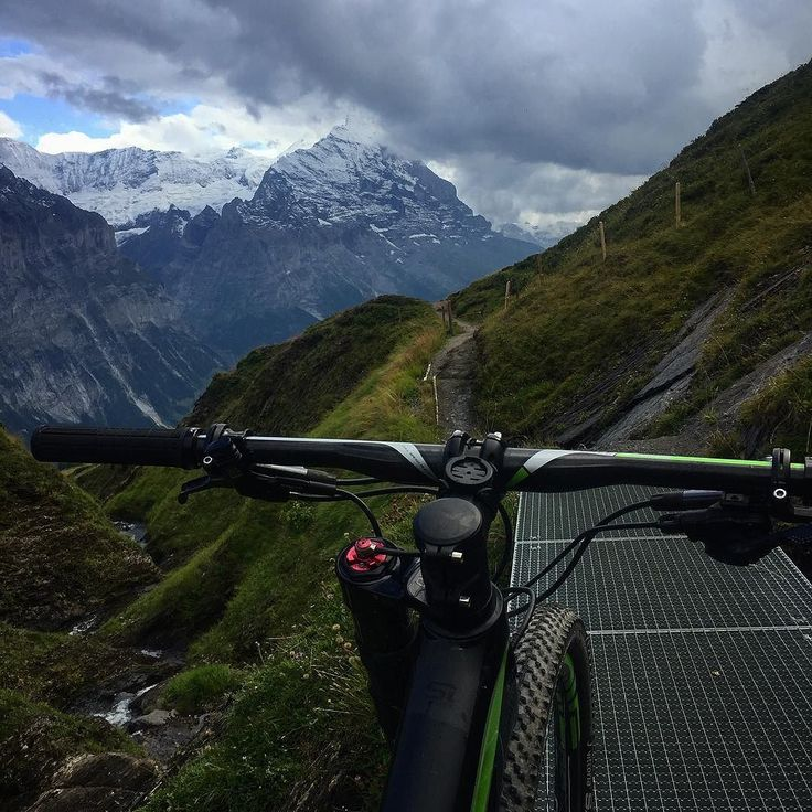 Up high on the good trails - nothing better then descending 1200m over 16km on single trails.  #cannondale #bike #mtb #scalpel #scalpelsi #temposport #ride #switzerland #training #alps #grindelwald