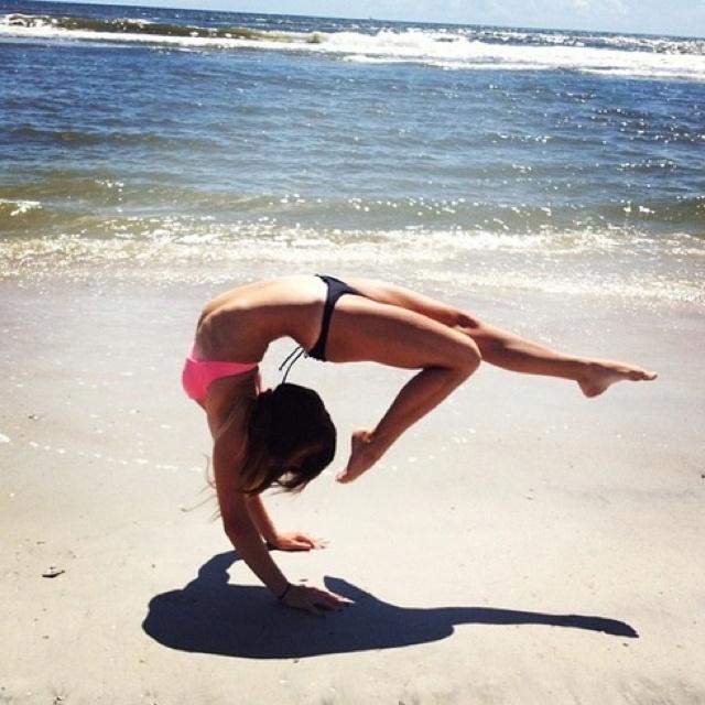 Beach yoga- tumblr