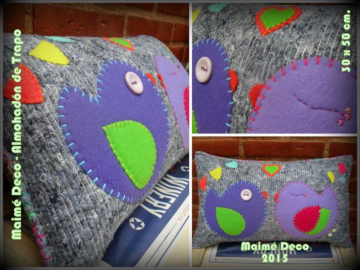Almohadón Maimé Deco VENDIDO! Almohadón de 30 x 50 cm. Trapo de piso, paño lenci, lanas, hilos y botones; relleno de vellón siliconado