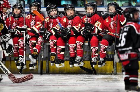 <strong>IJshockey</strong> Jongens en meisjes onder 8 jaar, Amstel Tijgers - Red Eagles. Rookie