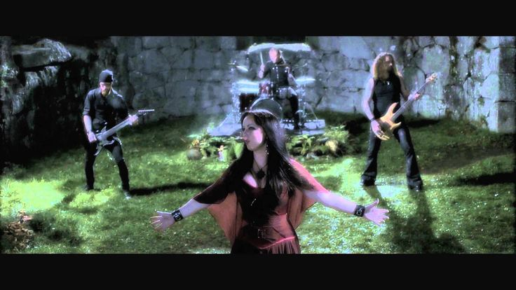 """Hunting The Dreamer"" from Dark Sarah´s debut album ""Behind The Black Veil"" #darksarah #behindtheblackveil #thepuzzle #heidiparviainen"