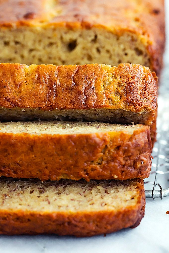 Super moist banana bread made extra flavorful with brown butter. This banana has amped up flavor plus perfect texture and is so easy to make. | Creme de la Crumb