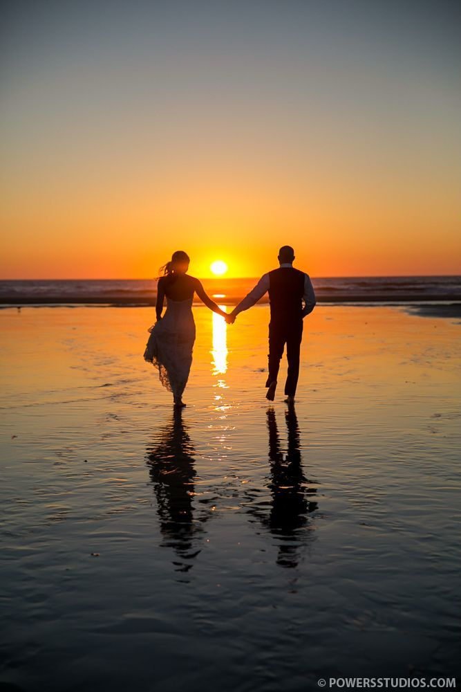 romantic sunset beach wedding photos