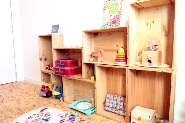 Tag res montessori en caisses de vin minusculeinfini for Chambre montessori