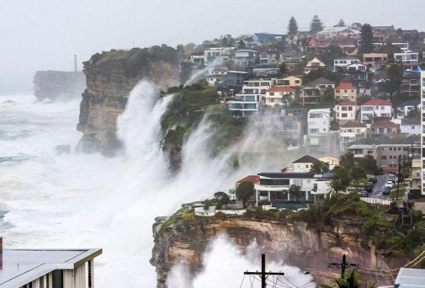 A világ érdekes Ausztrália Sydney vihar part omlás