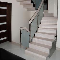 http://treppenprojekte.de/ - Treppen aus Polen mit Design aus Glas und Vollholz #treppen #treppe #vollholz #Holztreppe #Design #Haus #Hausbau #Treppenhaus #polen #treppenbauer