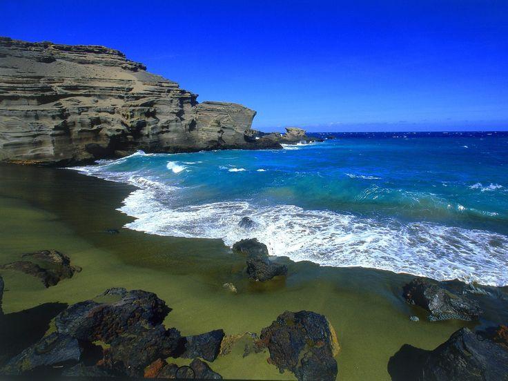 Green Sand Beach, Big Island: Hawaii Beaches, Big Islands Hawaii, Buckets Lists, Beaches Photo, Green Sands, Sands Beaches, Papakolea Beaches, Hawaiian Islands, Green Beaches