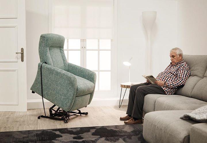 Un sillón que cumple con todas las prestaciones para poder responder a cualquier usuario. 👨👩👧👦 Para DeSiesta es un auténtico placer trabajar con sofás y sillones cómodos y de calidad y nuestros clientes lo confirman 😍