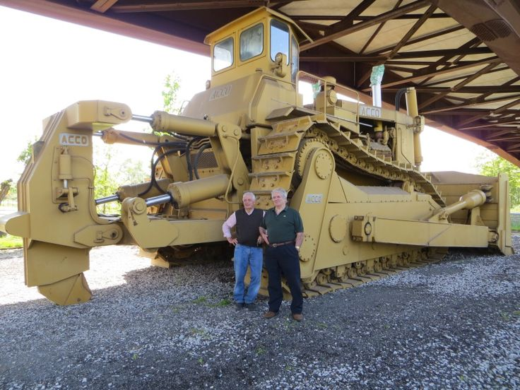 Biggest Bulldozer Made : The acco super bulldozer is largest dozer ever built
