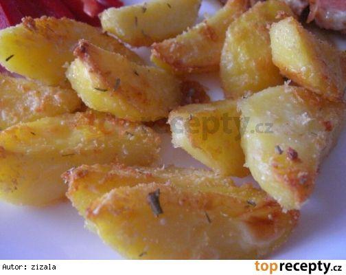 Omyté brambory (můžeme je i oloupat) rozkrájíme na dílky, povaříme 5 minut v osolené vodě, scedíme a necháme odpařit. Vložíme do mísy, vydatně ...