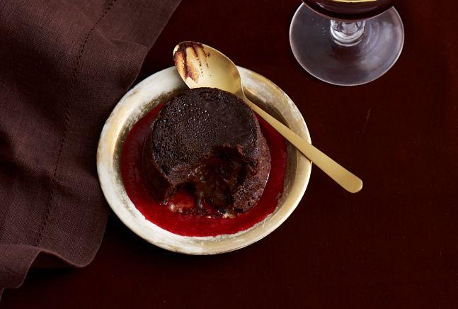 Moelleux au Chocolat - Chocolate Volcano Cake Recipe - JoyOfKosher.com