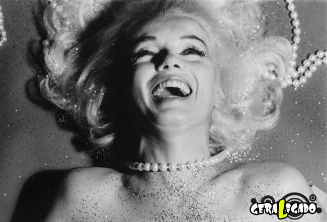 Marilyn Monroe é um ícone atemporal, uma estrela fulgurante que deixou muitas perguntas ainda sem respostas. Hoje vamos apresentar-lhe vinte interessantes e pouco conhecidos fatos sobre a bela e deslumbrante atriz de Hollywood, que talvez mude a sua atitude em relação a ela. 1. Marilyn Monroe tinha um QI de 168, maior do que Albert […]