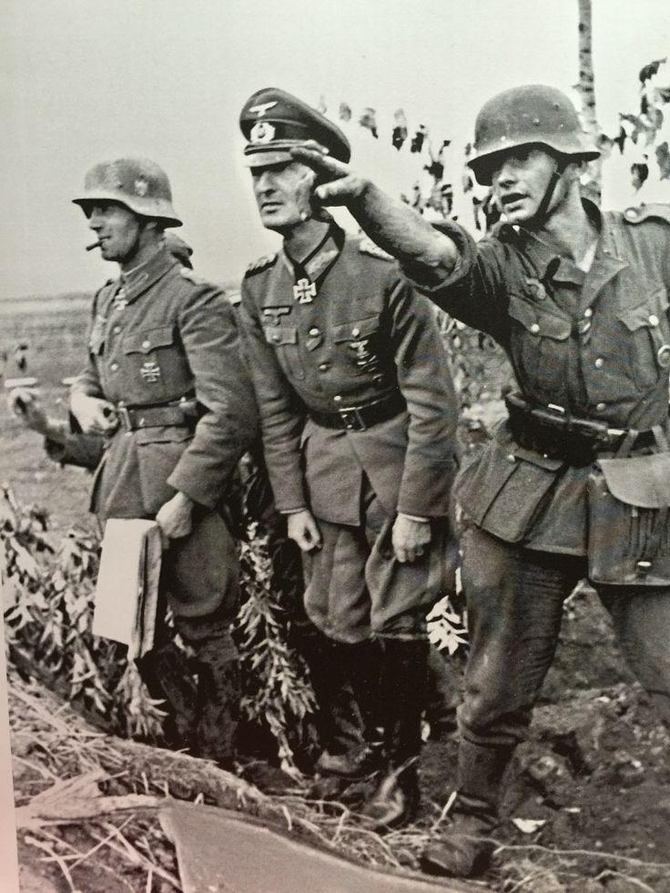 Reporting to the battalion commander. Orel area. 1942.