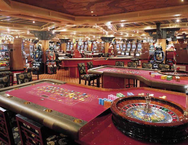 gambling money claw on cruise ship