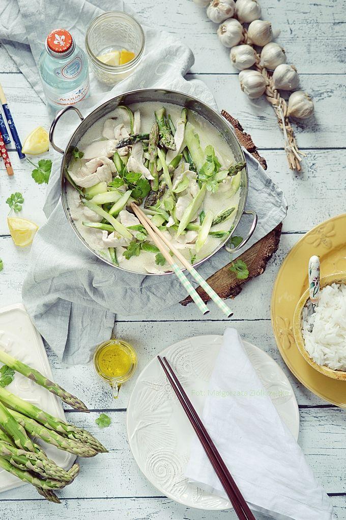 Smaki Alzacji : Kurczak z zielonymi szparagami w sosie kokosowo li...