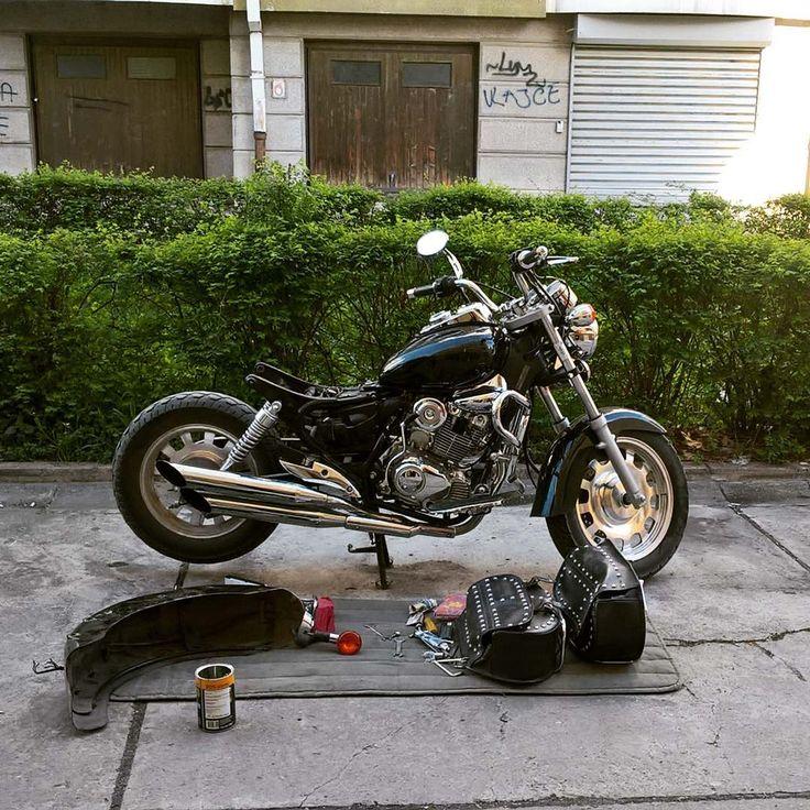 "66 Gostos, 1 Comentários - Tijana Hrčak (@underhelmet) no Instagram: ""Changing stoplight 😊😊😊 I love how my bike look now ❤ @keewayglobal #supelight #garagetime…"""