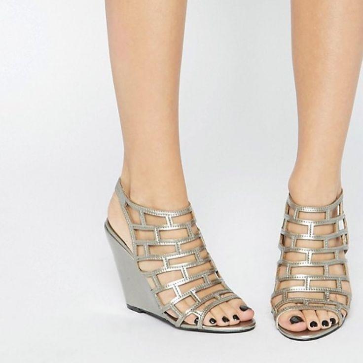 Amazing cute gold wedge heels
