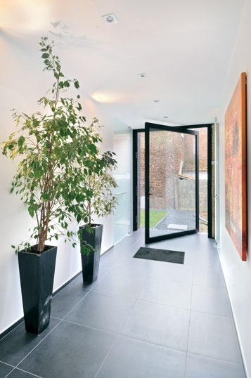 Pivoterende voordeur architecture pinterest - Huis buitenkant ...