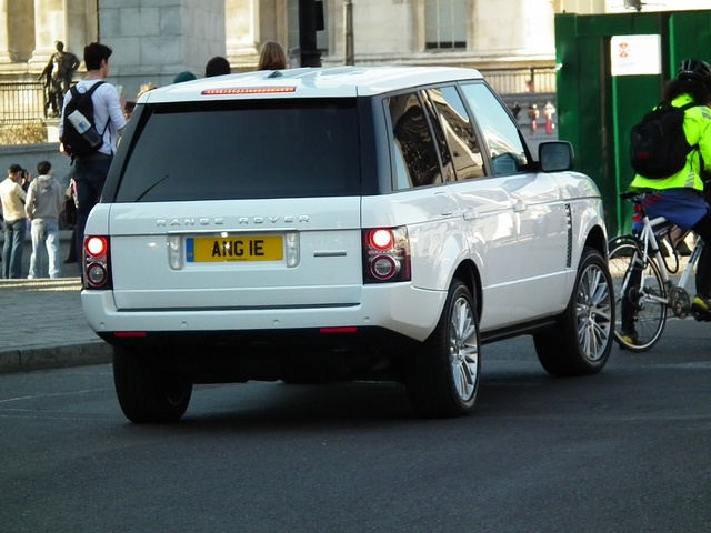 Range Rover Evoque Live by landrovermena