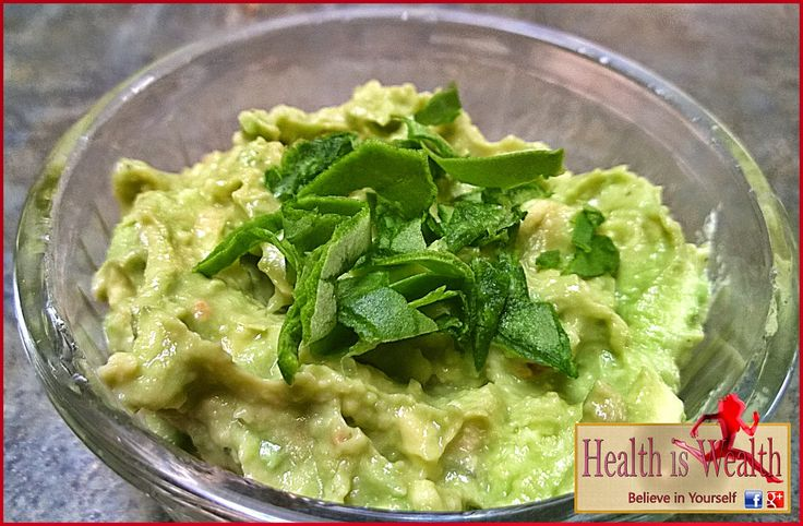 Strong and Beyond: Avocado Spinach Hummus Dip