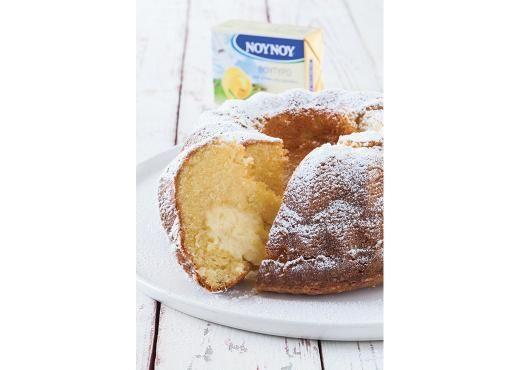 Κέικ γεμιστό με κρέμα βανίλιας2