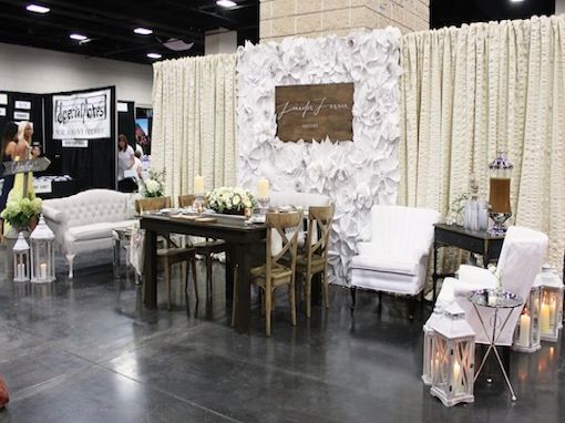 Wedding Planner Bridal Show Booth Ideas : Jennifer laraia designs pink bridal show a full