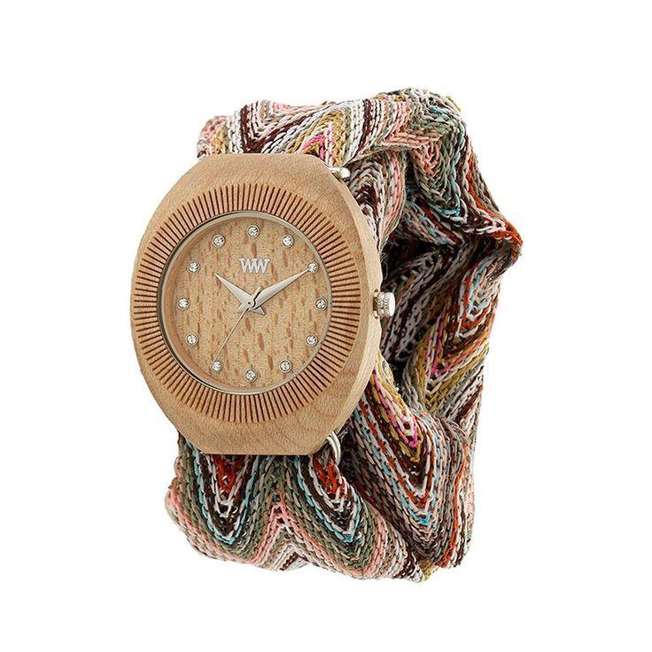 Роскошные женские деревянные часы ручной работы от флорентийских мастеров WeWOOD для незабываемого подарка самым любимым и дорогим женщинам – подруге, жене, любимой или коллеге. Корпус часов выполнен из светлой древесины поэтического клена, циферблат украшен маркерами – стразами и серебр