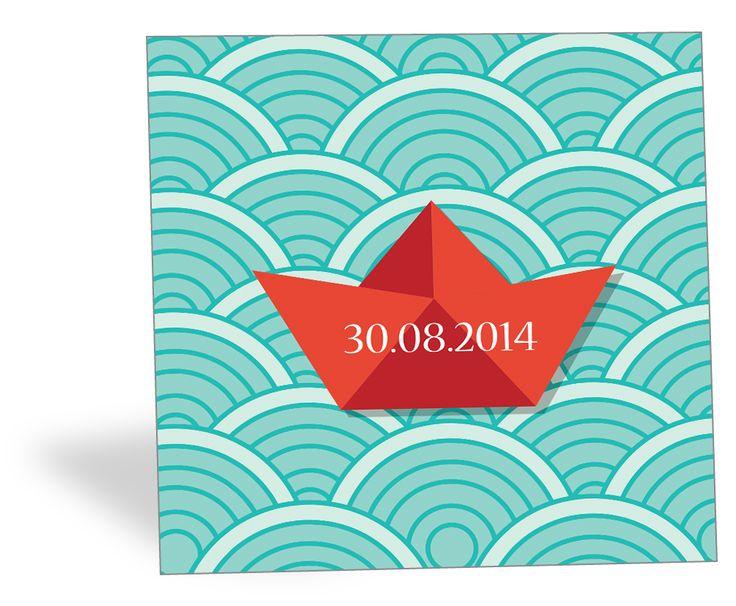 Voguez vers de nouvelles aventures ! Envoyez à vos proches ce faire-part de naissance marin orné d'un bateau en origami !