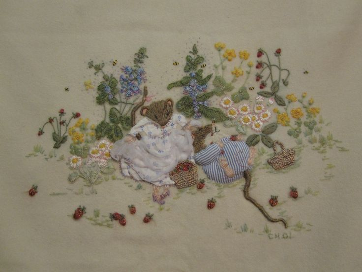 Picking Wild Strawberries (copyright Catherine Howell). Kit available from Australian Needle Arts. To view full range and details please visit http://www.australianneedlearts.com.au/applique-blankets-jan-kerton