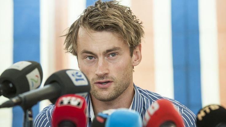 Denne uka skal Petter Northug og Skiforbundet møtes til nye samtaler. Og takket være media tenker vi i disse dager mye på Petter Northug. Det uheldige er at vi lar mediene forme våre tanker om skistjernen og sponsorsaken heller enn å tenke selv.