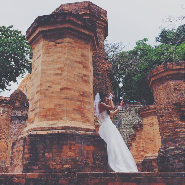 Свадьба в подножии Чамских башен. Нячанг. Вьетнам. Май 2014