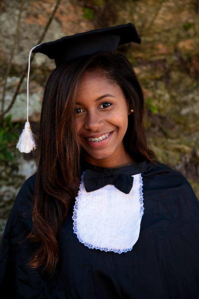 Novidades: Maquiagem que eu usei para fotos externas de formatura (Ensino Médio) Saiba Mais em http://dicasdemaquiagem.vlog.br/maquiagem-que-eu-usei-para-fotos-externas-de-formatura-ensino-medio/