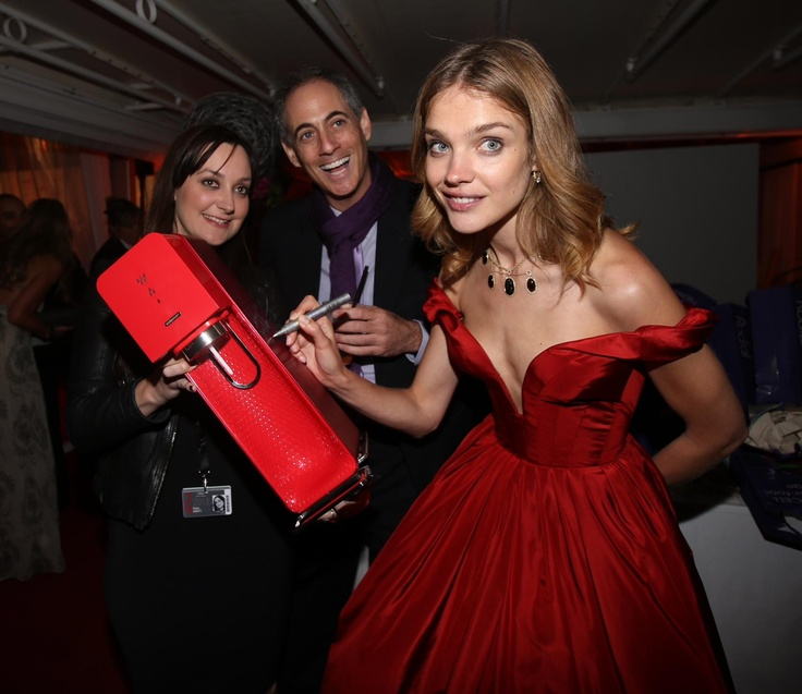 Super Model Natalia Vodianova signed a SodaStream for charity at #Cannes2013!