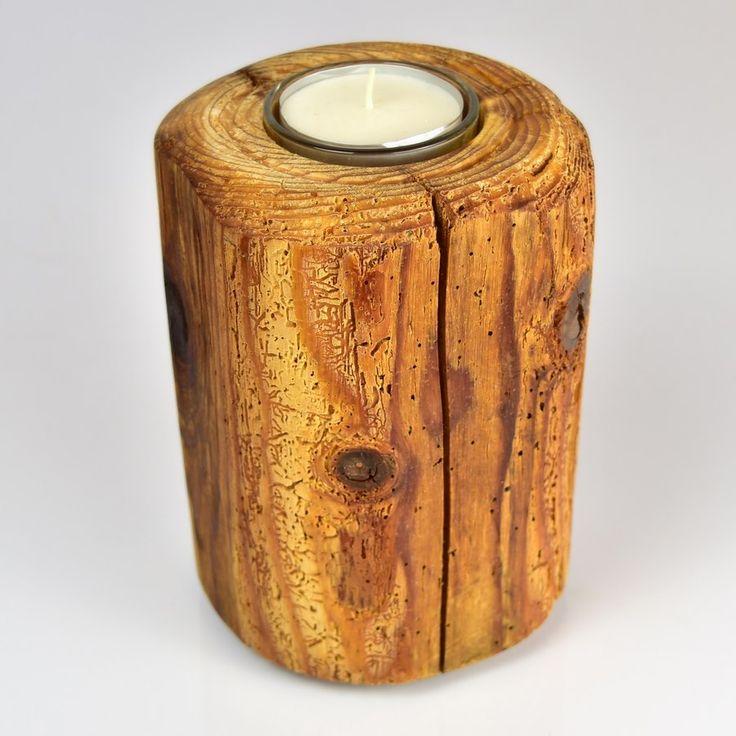 To była kiedyś sosnowa belka ze starej szopy. Teraz to rustykalny świecznik. Kiefer / Pine   #donitza #toczenie #woodturning #drechseln