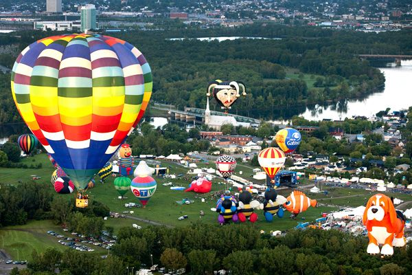See the Gatineau Hot Air Balloon Festival! http://www.montgolfieresgatineau.com/en/