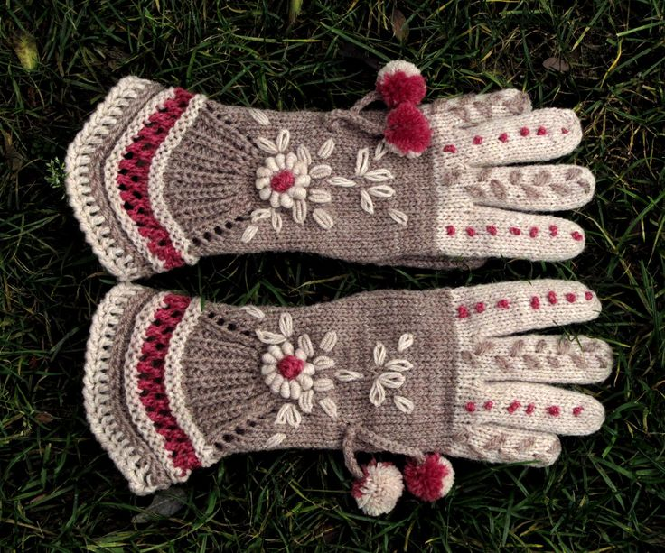 """Vintage Victorian Lace Gloves - """"Above the Clouds"""" by Dom Klary. $30.00, via Etsy."""