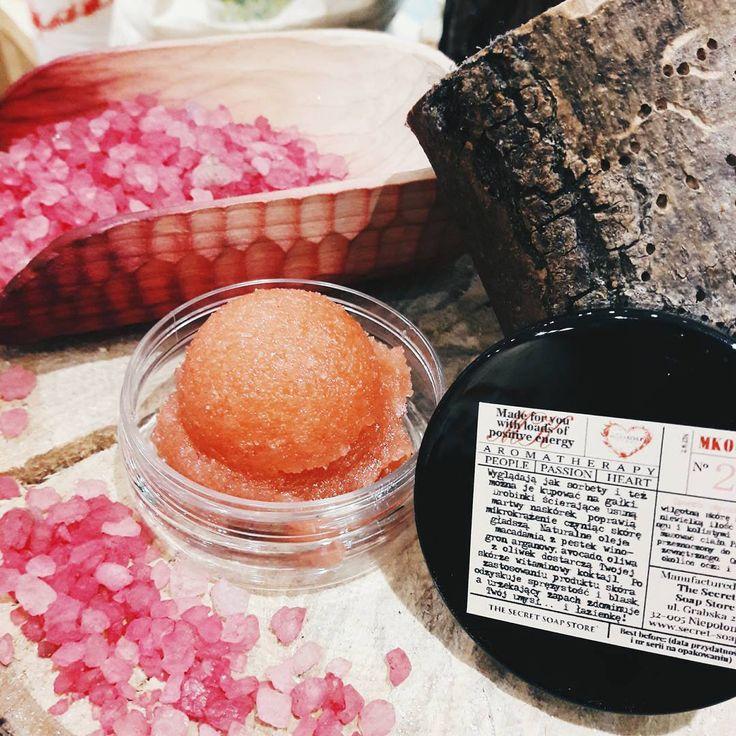 Peeling żurawina The Secret Soap Store <3 #thesecretsoapstore#natural#cosmetics#peeling#bodyscrub#cranberry#żurawina#kosmetyki#naturalne#polish#brand#store#instacosmetics https://secret-soap.com/peelingi-46