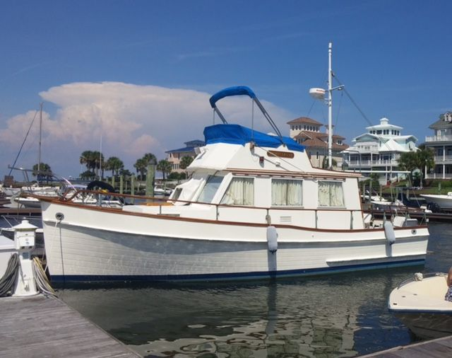 Grand Banks 32 trawler for sale                                                                                                                                                                                 Mehr