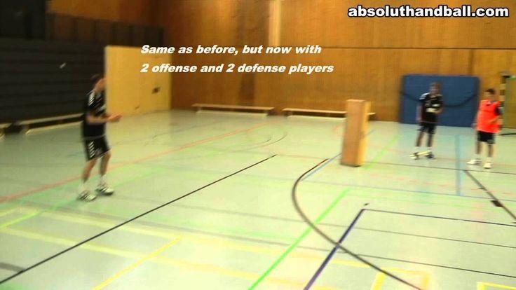 Cooperation pivot + backcourt