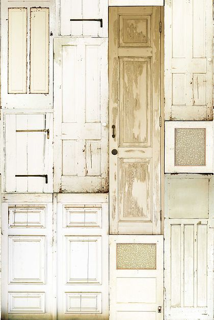 Onszelf Poster Oude deuren ook prachtig in een babykamer | 123kinderbehang.nl