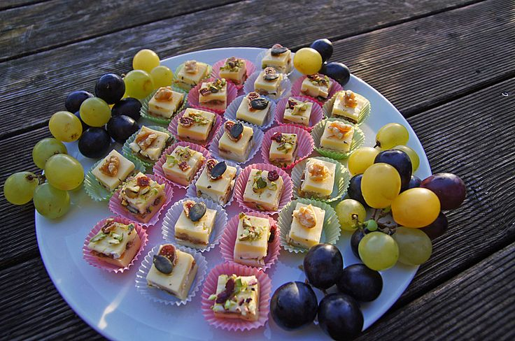 Käsepralinen - Butterkäse mit Brie und Nüssen (Rezept mit Bild) | Chefkoch.de