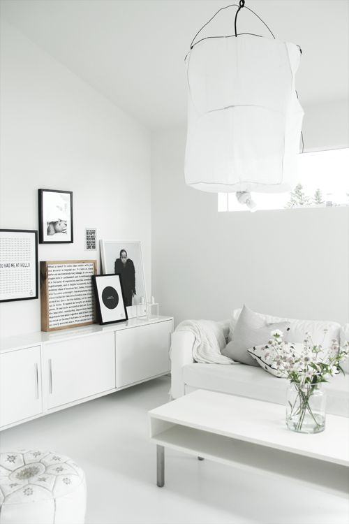 Shades of white living room | Elisabeth Heier, July 2013 [Original post in Norwegian]