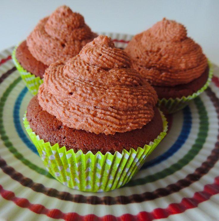 Cupcakes al cioccolato  http://blog.giallozafferano.it/vdolci/cupcakes-al-cioccolato/