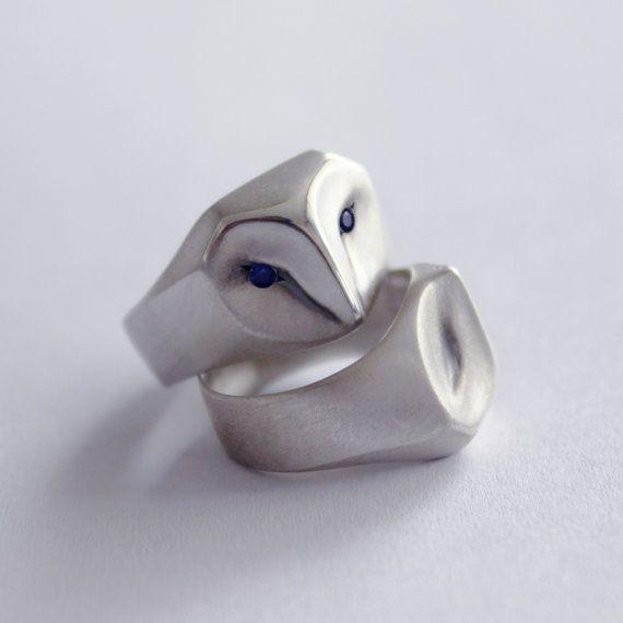 Eule-Ring mit blauen Saphir-Augen Schleiereule von ElinaGleizer