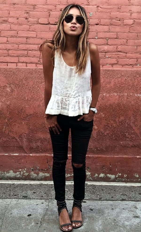 45 Ripped Jeans Outfit Ideas every stylish girl should try - Latest Fashion Trends