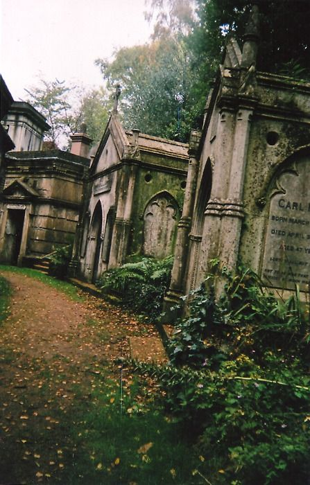 Highgate Cemetry, London.