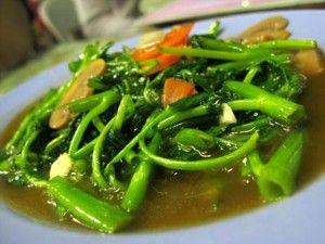 http://santeaja.com/cara-masak-tumis-kangkung-enak-dan-spesial/