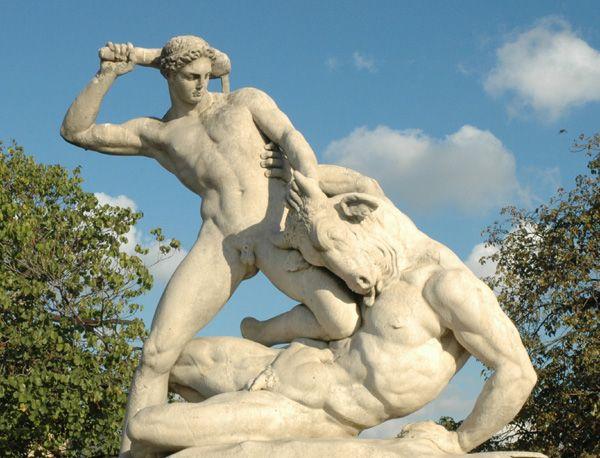 Jardin des Tuileries.  Thésée et le Minotaure. Etienne Jules Ramey. 1826.