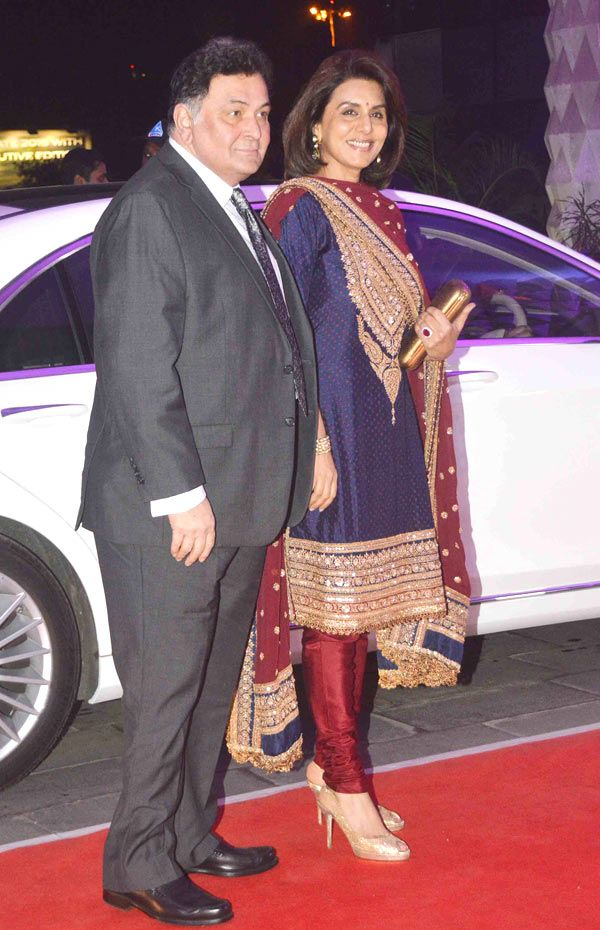 Rishi Kapoor and wife Neetu Kapoor at Kush Sinha's wedding reception.