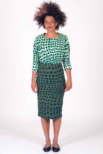Spot Small Double - Back Seam Elbow Sleeve Top